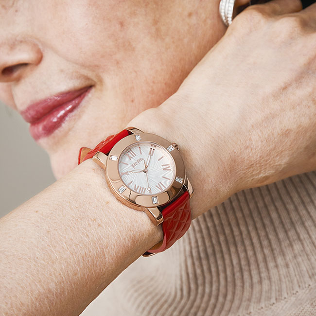 Folli Follie 腕時計 革ベルトタイプ