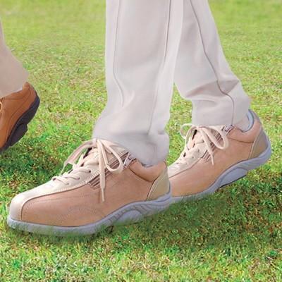 弾むような歩行に変わる靴ミッドフット